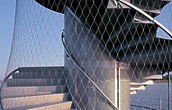Ferrule type stainless steel cable mesh is mounted to outer frame of stairwell as a guidance.